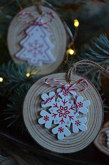 Dekorácie - Vianočné ozdoby  (Vločka) - 12693005_