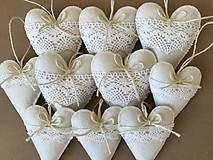 Dekorácie - Biele srdiečka s čipkou - 12689346_