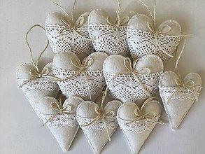 Dekorácie - Biele srdiečka s čipkou - 12689359_