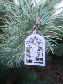 Dekorácie - Vianočné ozdoby 2 (Strieborná - lyžiar) - 12689883_