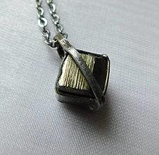 Náhrdelníky - Prívesok s pyritom § ELISA § - 12698633_