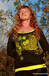Tričká - Dámske tričko šité, maľované RAPSÓDIA V ŽLTOM - 12694730_