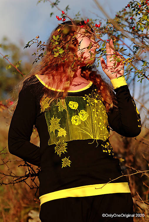 Dámske tričko šité, maľované RAPSÓDIA V ŽLTOM