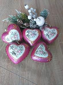Dekorácie - Vianočné vintage srdiečka s motívom ruží - sada 5 ks - 12695084_