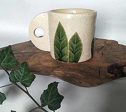 Nádoby - Keramický pohár s listovým vzorom - 12696662_