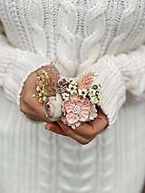 """- Kvetinová brošňa """"láska v dlani""""  - 12699065_"""