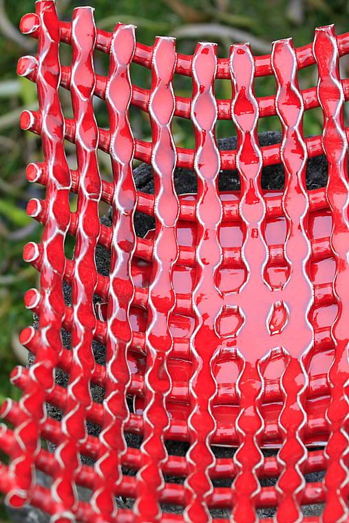 Ovocná mriežkovaná misa vysoká červená.
