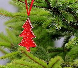 Dekorácie - Vianočná ozdoba stromček (Červená) - 12703801_