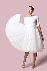 Šaty - Šaty biele s bodkovaným tylom - 12700817_