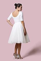 Šaty - Šaty biele s bodkovaným tylom - 12700819_