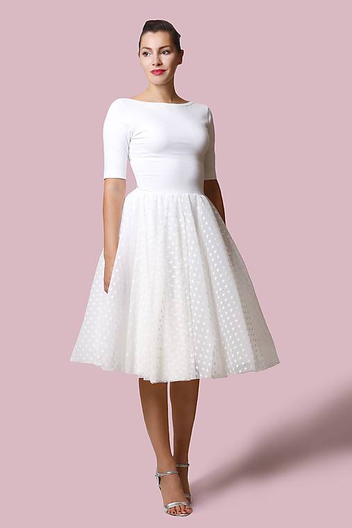 Šaty biele s bodkovaným tylom