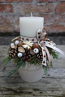 Svietidlá a sviečky - Vianočný svietnik prírodný  hnedo biely - 12702436_