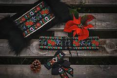 Náhrdelníky - Folk brošňa/ dámsky motýlik - 12704583_