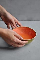 Nádoby - šálka jahodovo oranžovo zelená veľká SA 5 - 12701219_