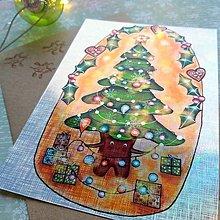 Papiernictvo - Vianočný stromček usmiaty - trblietavá, dúhová pohľadnica&obálka - 12707914_