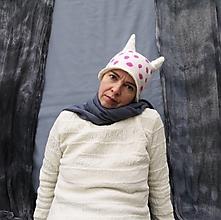 Čiapky - Bodkovaná ružová vlnená čiapka - 12708108_