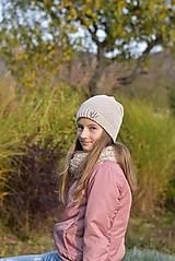 Detské čiapky - Dievčenský háčkovaný set - 12707621_