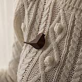 Odznaky/Brošne - Drevená brošňa vtáčik - 12707509_