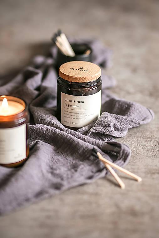 Svietidlá a sviečky - Sójová sviečka - Divoká ruža a jazmín - 12710316_