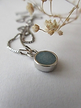 k.erosene náhrdelník