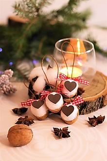 Dekorácie - Vianočné oriešky-srdiečko - 12710284_