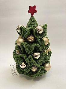 Dekorácie - Vianočný stromček Svietiaci so zlatými dekoráciami - 12711417_