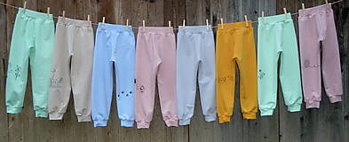 Detské oblečenie - Zelenkavé tepláčky Koník - 12714698_