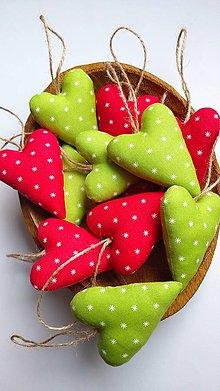 Dekorácie - Srdiečka vianočné zelené a červené sada - 12715087_