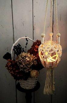 Svietidlá a sviečky - Závesný makramé svietnik - 12720006_