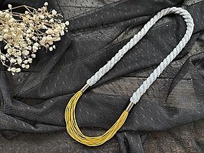 Náhrdelníky - Hořčicovo-šedý náhrdelník - 12723213_