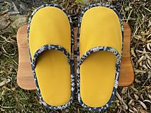 Obuv - Veľké žlté papuče - 12720657_