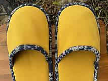 Obuv - Veľké žlté papuče - 12720658_