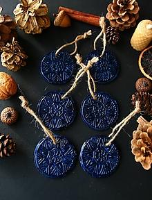 Dekorácie - Vianočné modré vločky - 12730143_