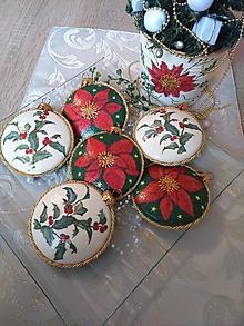 Dekorácie - Vianočné medailónky s vianočnou ružou - sada 6 ks - 12728298_