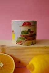 Nádoby - Hrnček z kolekcie Každý deň (Trhovisko s melónmi) - 12731206_