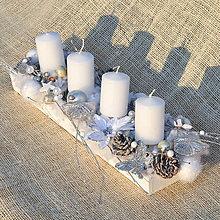 Dekorácie - Bielo-strieborný adventný svietnik - 12737754_