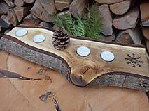 Svietidlá a sviečky - Vianočný svietnik z orecha, s rezbou 2 - 12738270_