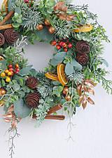 Dekorácie - Veniec na dvere vianočný medeno-hnedý - 12738262_