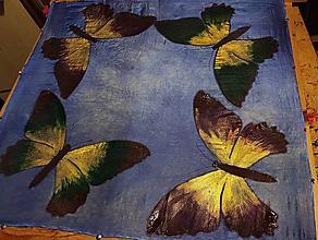 Šatky - Hodvábna šatka Motýle purple - 12743499_