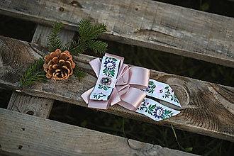 Náhrdelníky - Folk brošňa/ dámsky motýlik (ružovo-biela spona) - 12746084_