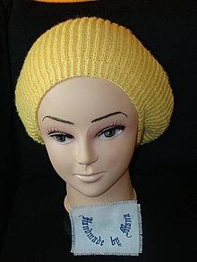 Čiapky - Ručne pletená čiapka žlta / baretka / - 12743437_