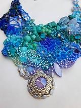 Náhrdelníky - Modro-fialovo-tyrkysový náhrdelník so swarovski - 12744830_