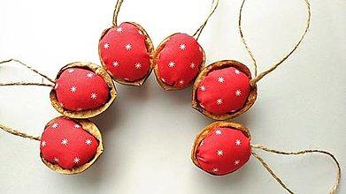 Dekorácie - Oriešky červené - 12744120_