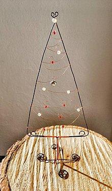 Dekorácie - Drôtený vianočný stromček - 12744040_