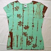 Tričká - Mentolovo-hnědé dámské triko s listy L 9696813 - 12744316_