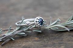 Prstene - Vetvičkový s tmavě modrým topazom - 12747033_