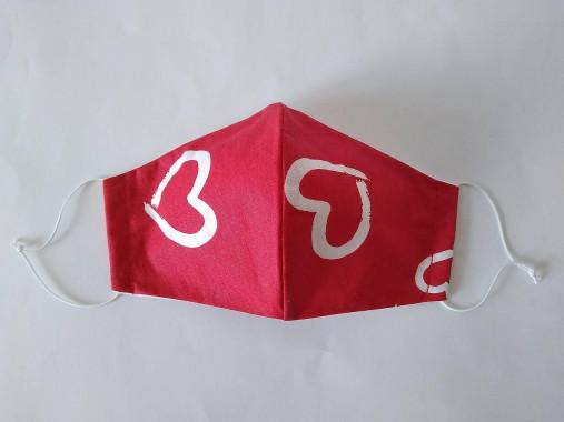 Dizajnové rúško srdcia červené tvarované dvojvrstvové