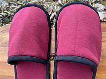 Obuv - Bordové papuče s čiernym lemom - 12750928_
