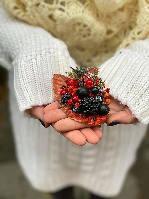 """Kvetinová brošňa """"vianočné pokušenie"""" - perníček"""