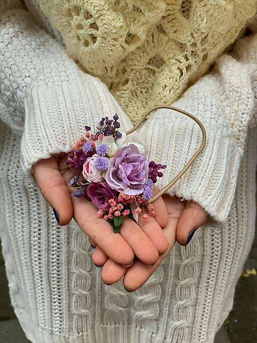 """Kvetinová gumička """"stmievanie vonia levanduľou"""""""